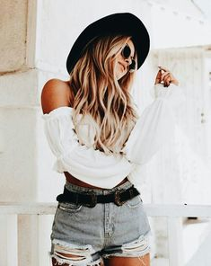 Simple But Adorable Short Jeans Outfit For Teen In This Year 05 Outfits With Hats, Outfits For Teens, Summer Outfits, Casual Outfits, Crop Top And Shorts, Crop Top Shirts, Hipster Crop Tops, Festival Wear, Festival Fashion
