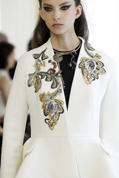 Christian Dior Fall 2016 Couture Fashion Show Details Clothes Couture Details, Fashion Details, Look Fashion, High Fashion, Fashion Show, Fashion Outfits, Fashion Design, Fall Fashion, Christian Dior Couture