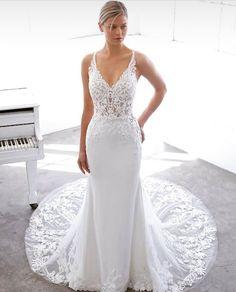 Couture Wedding Gowns, Designer Wedding Dresses, Bridal Gowns, Bridal Collection, Dress Collection, Blue By Enzoani, Bridal Gallery, Boho Stil, Chiffon