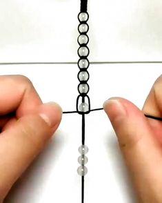 Diy Crafts Hacks, Diy Crafts Jewelry, Bracelet Crafts, Handmade Jewelry, Jewelry Ideas, Jewelry Accessories, Cd Crafts, Wire Jewelry Designs, Diy Projects