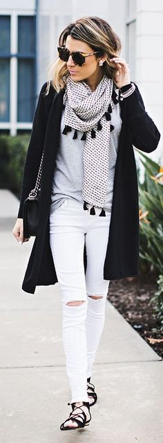 Black and White Classic Street Outfits