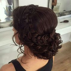 Prom Hair Updo, Bridal Hair Updo, Wedding Hair And Makeup, Quince Hairstyles, Bride Hairstyles, Pretty Hairstyles, Hairdos, Medium Hair Styles, Curly Hair Styles