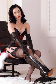 Ah the boots...Dita again...she's going to need her own board soon.;)