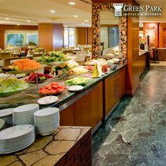 Hafta sonunu güzel bir kahvaltıyla karşılamanız için The Green Park Hotel Merter Rumeli Restoran zengin açık büfe kahvaltı mönüsüyle sizler için hazır.