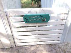 Diy pallet Garden gate