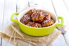 Sesame Teriyaki Chicken Bites/ appetizer or main course Slow Cooker Recipes, Crockpot Recipes, Cooking Recipes, Crockpot Dishes, Pork Dishes, Honey Teriyaki Chicken, Sesame Chicken, Glazed Chicken, Easy Potluck Recipes
