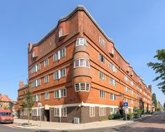 Amsterdamse School Het Schip, Amsterdam – Architect: Michel de Klerk