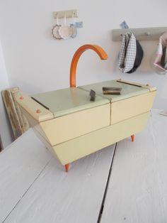 kindersofa mond und sterne bei. Black Bedroom Furniture Sets. Home Design Ideas