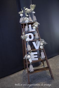 Plan de table rustique et champêtre  Centre de table mariage, décoration mariage, décoration florale, mariage , chandelier, vase, bougies, urne mariage, livre d'or mariage photophores  mille et une organsations de prestige