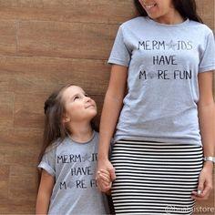 Sereia mãe e sereia filha. Como não amar? #maesereia #mermaidmommy #talmaetalfilha #instakids #maecoruja #maedemenina #sereias #sereias_urbanas #sereismo