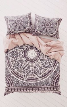 stunning boho mandala cover + pillowslips. Love the pattern, love the color combo...