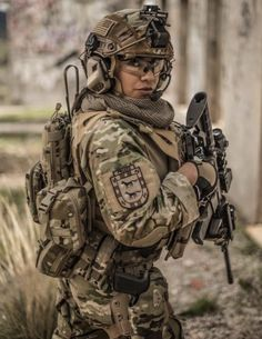 Airsoft, Indian Army Special Forces, Badass Drawings, Warrior Girl, Samurai Warrior, Young Avengers, Military Pictures, Tough Girl, Female Soldier