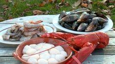 Fondue aux fruits de mer et chowder, version Fred Morin Fondue Raclette, Fondue Recipes, Fish And Seafood, Chowder, Shrimp, Yummy Food, Morin, Yummy Recipes, Cooker Recipes