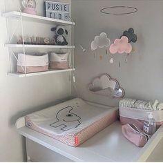 Wir sehen täglich Bilder des schönsten und absolut beneidenswertesten Puzzles ... #kleinkindzimmer Baby Bedroom, Kids Bedroom, Baby Room Design, Nursery Room Decor, Baby Cribs, Girl Room, Grey Drawers, Relationship, Ideas