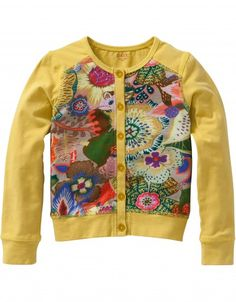 Nice cardigan in comfortable stretch cotton, with a beautiful hand-painted Oilily print on the front.