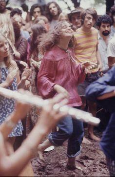 Woodstock Music & Art Festival 1969 Woodstock, Festival Woodstock, Woodstock Music, Woodstock Hippies, Hippie Love, Hippie Style, Hippie Vibes, Hippie Things, Hippie Masa