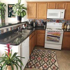 Top Ideas to Get Boho Style Kitchen - Bohemian Kitchen - Gypsy Kitchen, Bohemian Kitchen, Dining Area, Kitchen Dining, Kitchen Decor, Wooden Couch, Hippie Boho, Boho Gypsy, Hippie Home Decor