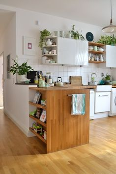 The most beautiful living ideas for your kitchen Kitchen Sets, New Kitchen, Kitchen Dining, Kitchen Decor, Stylish Kitchen, Hipster Kitchen, Estilo Interior, Interior Styling, Bookshelves Built In