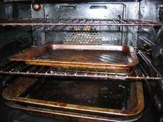A konyhatakarítás egyik legutálatosabb fázisa a sütőtakarítás. Ennél talán csak a hűtő leolvasztása a rosszabb, de azt legalább nem kell olyan gyakran végeznünk. Grill Pan, Oven, Kitchen Appliances, Cleaning, Health, Projects, Tips, Griddle Pan, Diy Kitchen Appliances