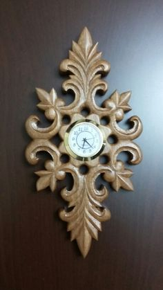 Dremel Carving, Wood Carving Art, Corner Shelf Design, Wood Burning Patterns, Grandfather Clock, Wooden Clock, Antique Clocks, Wooden Watch, Wood Creations