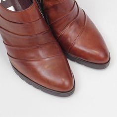 Zapato Abotinado Marron – entuspasos