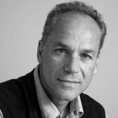 """""""Espero que tratemos dos assuntos de meu novo livro ('A Ilha do Conhecimento'), que vão desde o cosmo ao mundo do muito pequeno, passando pela questão da consciência humana, da 'singularidade', e de como as máquinas poderão sobrepujar humanos no futuro"""", conta o físico Marcelo Gleiser, convidado da #Flip2014 para dividir a mesa Ouvir Estrelas com o professor de astrofísica Paulo Varella.  #PousadaDoCareca #Paraty #Flip #Flip2014 #FLIPse #FlipZona #Flipinha"""