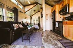 Villa in Dripping Springs, United States. The Griffin Villa is one of 4 luxury villas at D6 Retreat. This villa sleeps 6 (2 full beds & a full pull-out sofa), has a full kitchen, washer/dryer, access to infinity pool, outdoor games, bird watching, hammocks & hiking on 23 acres. Each villa...