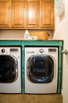 Crazy wonderful diy built in washer dryer laundry room project tired of things falling between and behind the washer and dryer sick of those wasted inches fix all that and more with this smart diy solutioingenieria Images