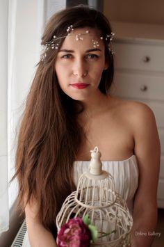How to wear headbands on forehead wraps hair colors 41 ideas Trendy Wedding, Elegant Wedding, How To Wear Headbands, Chignon Bun, Wire Wreath, Winter Wonderland Wedding, Bridal Hair Vine, Diy Wedding Decorations, Wedding Bands