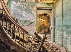 Abandoned Buildings: A glimpse of the end of the world by German photographer Christian Richter