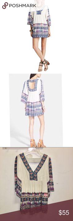 "FREE PEOPLE Terra Nova Tunic/Dress Size X Small PEOPLE Terra Nova Tunic/Dress Size X Small Flutter Sleeve Boho Cutout  Fits XS/Small sizes   31"" Long  17"" across chest  80% rayon / 20% linen Free People Tops"