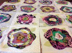 French Rose Quilt under construction ^_* Quilt Patterns Free, Applique Patterns, Applique Quilts, Rag Quilt, Scrappy Quilts, Quilt Blocks, Quilt Art, Homemade Quilts, Flower Quilts