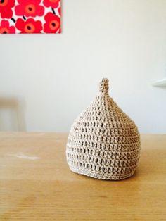 今回はどんぐり帽子の編み方と、手作り作家さんの作品、お手本にしたい素敵なデザインなどをご紹介します♪ Sun Hats, Knitting Yarn, Wicker Baskets, Embroidery, Crochet, Handmade, Fashion News, Ideas, Needlepoint