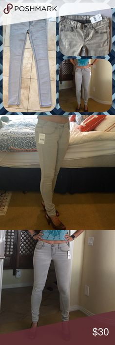 """🆕 NWT Free People Skinny Jeans, Sz 26, Coudy Grey 🆕 Free People Skinny Jean, 77% cotton, 21% polyester & 2% spandex, in Cloudy grey. Probably better for a true size 0–2 as I am stuffed in them, at 125 lbs, as you can see in the photos. They have a little longer length at the skinny ankle which may be great for a taller person. I am 5'6"""", and there's definitely some room. Free People Pants Skinny"""