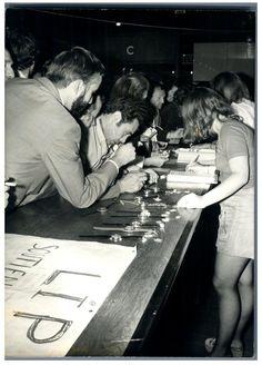 """Le Parti Socialiste vend les Montres """"Lip"""" au Congres de Grenoble. Circa 1973."""