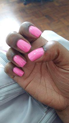 Cor toda boa da marca preta gil. #pink #unhas #esmaltespretagil