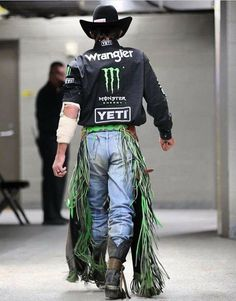 Rodeo Cowboys, Hot Cowboys, Farm Boys, Country Boys, Country Life, Little Cowboy, Cowboy And Cowgirl, Elephant Photography, Animal Photography