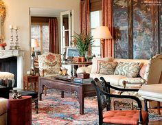 Suzanne Tucker used a screen, along with an Oriental table, in this living room