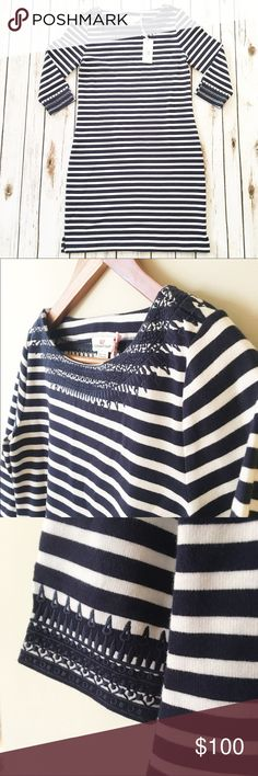 Vineyard Vines Dress Navy and white striped dress with neckline and arm details.   Please view all pictures, read description, and ask questions before buying!  Instagram: @shmemilyy17 Snapchat 👻: shmemilyy17 Facebook: www.facebook.com/shmemilyy17 Vineyard Vines Dresses Midi