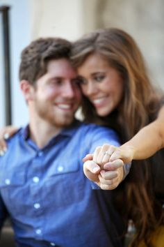 Jessa Duggar and Ben Seewald engaged. Love this shot! I love her and Ben, can I have this much perfection in my life??