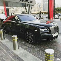 #Wraith Black Badge #RollsRoyce Rolls Royce Dubai, Expensive Sports Cars, Wow Products, Concept Cars, Motorbikes, Luxury Cars, Antique Cars, Russia, Badge
