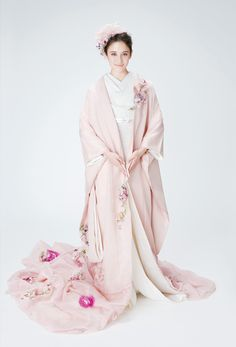 Oriental Dress, Oriental Fashion, Asian Fashion, Traditional Kimono, Traditional Fashion, Traditional Dresses, Yukata Kimono, Kimono Dress, Barbie Wedding Dress