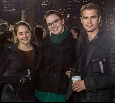 Shailene, Veronica and Theo on the set of Divergent