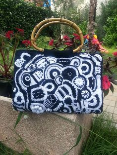 freeform crochet by lubna mohacht Crochet Handbags, Crochet Purses, Crochet Bags, Knitted Bags, Crochet Gifts, Free Crochet, Knit Crochet, Freeform Crochet, Irish Crochet