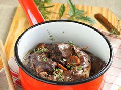 Découvrez la recette Civet de lapin à l'ancienne sur cuisineactuelle.fr. Beignets, Pot Roast, Entrees, Food And Drink, Nutrition, Beef, Cooking, Ethnic Recipes, Desserts