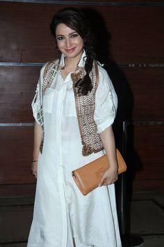 Tisca Chopra at the Mumbai Film Festival. Pakistani Fashion 2017, Bollywood Fashion, Indian Fashion, Indian Attire, Indian Wear, Indian Outfits, Dress For Body Shape, Trendy Fashion, Fashion Outfits