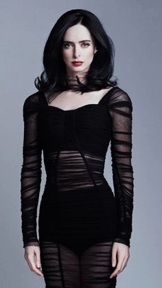 Krysten Ritter was an unexpected choice to take on the role of Jessica Jones in the Netflix series, but the actress absolutely nailed it. Anyway, you'll definitely want to check out these must-see photos. Jessica Jones, Krysten Alyce Ritter, Krysten Ritter Body, Celebrity Style Casual, Beautiful Female Celebrities, Glamour Magazine, Celebrity Wallpapers, Nu Goth, Pastel Goth