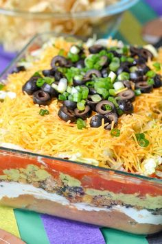 The Best 7 Layer Taco Dip for Game Day along with Sweet Treat Layer Cups! Dip Recipes, Veggie Recipes, Mexican Food Recipes, Great Recipes, Salad Recipes, Cooking Recipes, Veggie Food, Cooking Tips, Taco Food
