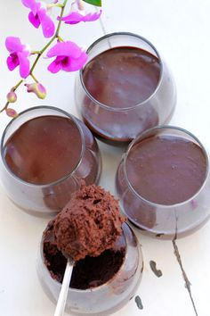 נמסיס שוקולד- עוגה במרקם מוס ללא קמח
