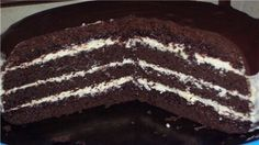 Chocolate cake on the boiling water Cake for chocolate lovers. Biscuit in the boiling water turns soft, fluffy and porous. Chocolate Lovers, Chocolate Cake, Hungarian Cake, Delicious Desserts, Deserts, Good Food, Food And Drink, Favorite Recipes, Sweets